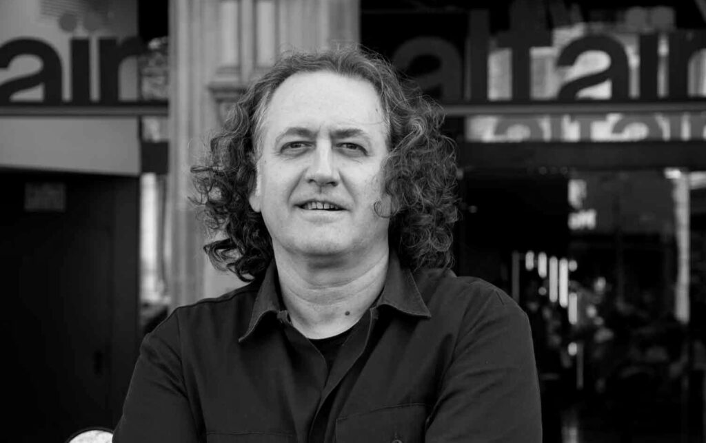 Me molestan los dogmas miopes del periodismo convencional: Pere Ortín