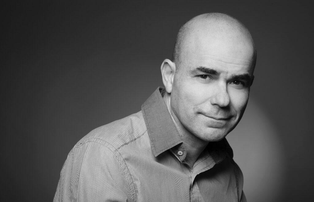 Etiquetas, insinuaciones y saltos: Eduardo Sacheri