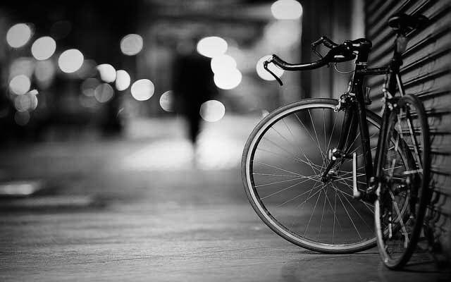 [Transición en bicicleta]