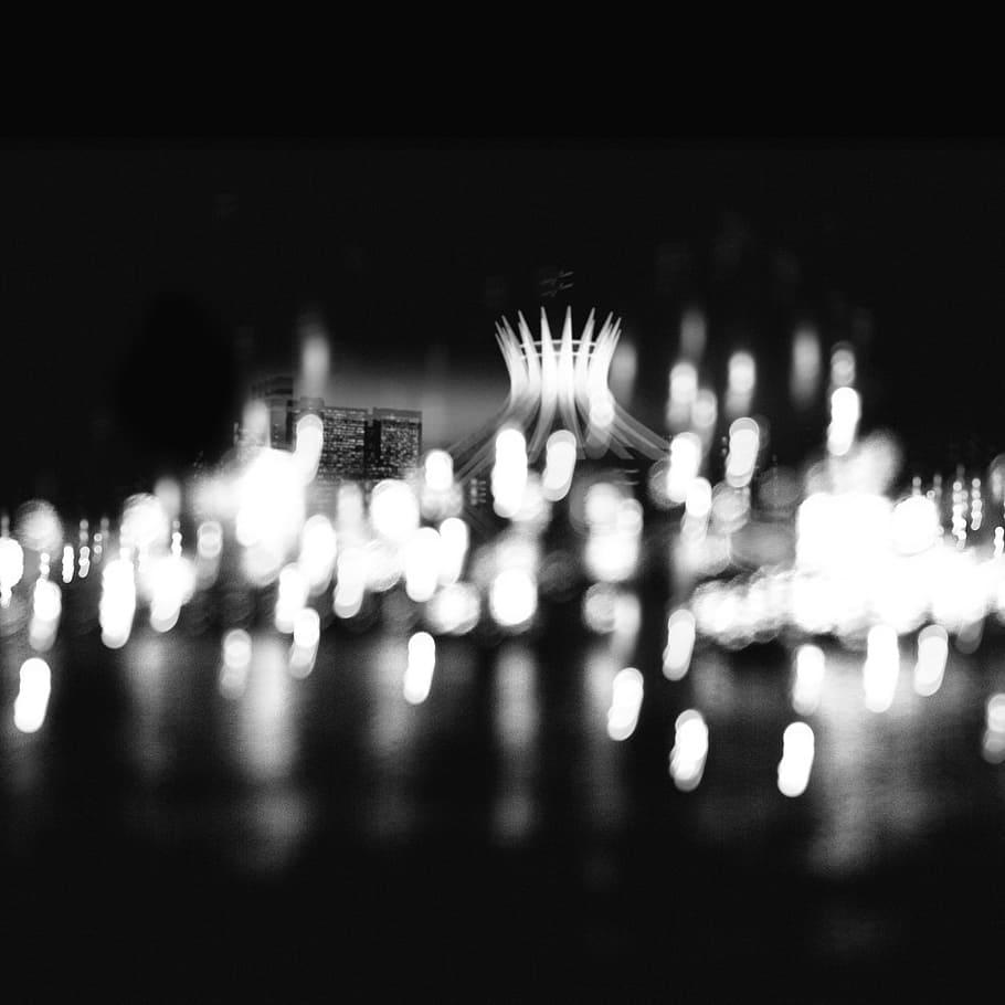 El poema de la noche por medio