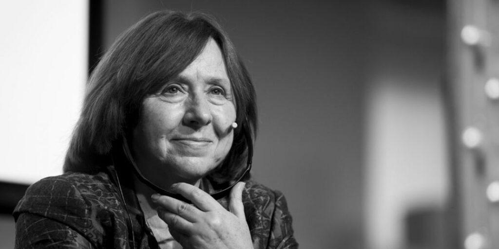 Svetlana Alexiévich: la importancia de (saber) contar historias