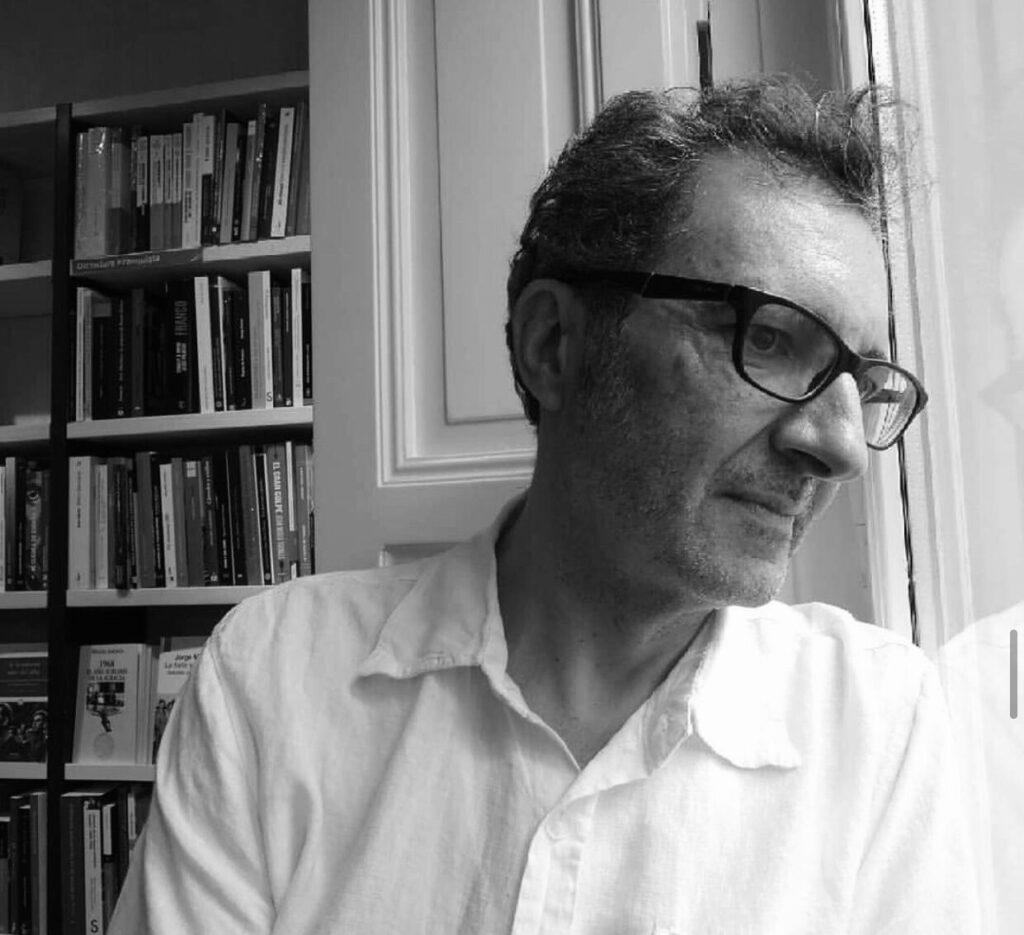 Eloy Tizón: Seguir escribiendo pese a todo