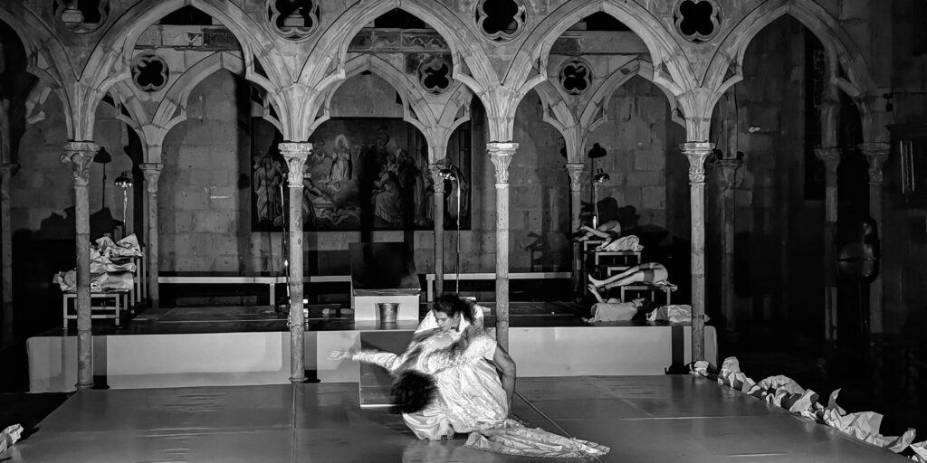 La abstracción de lo grotesco a través de la danza